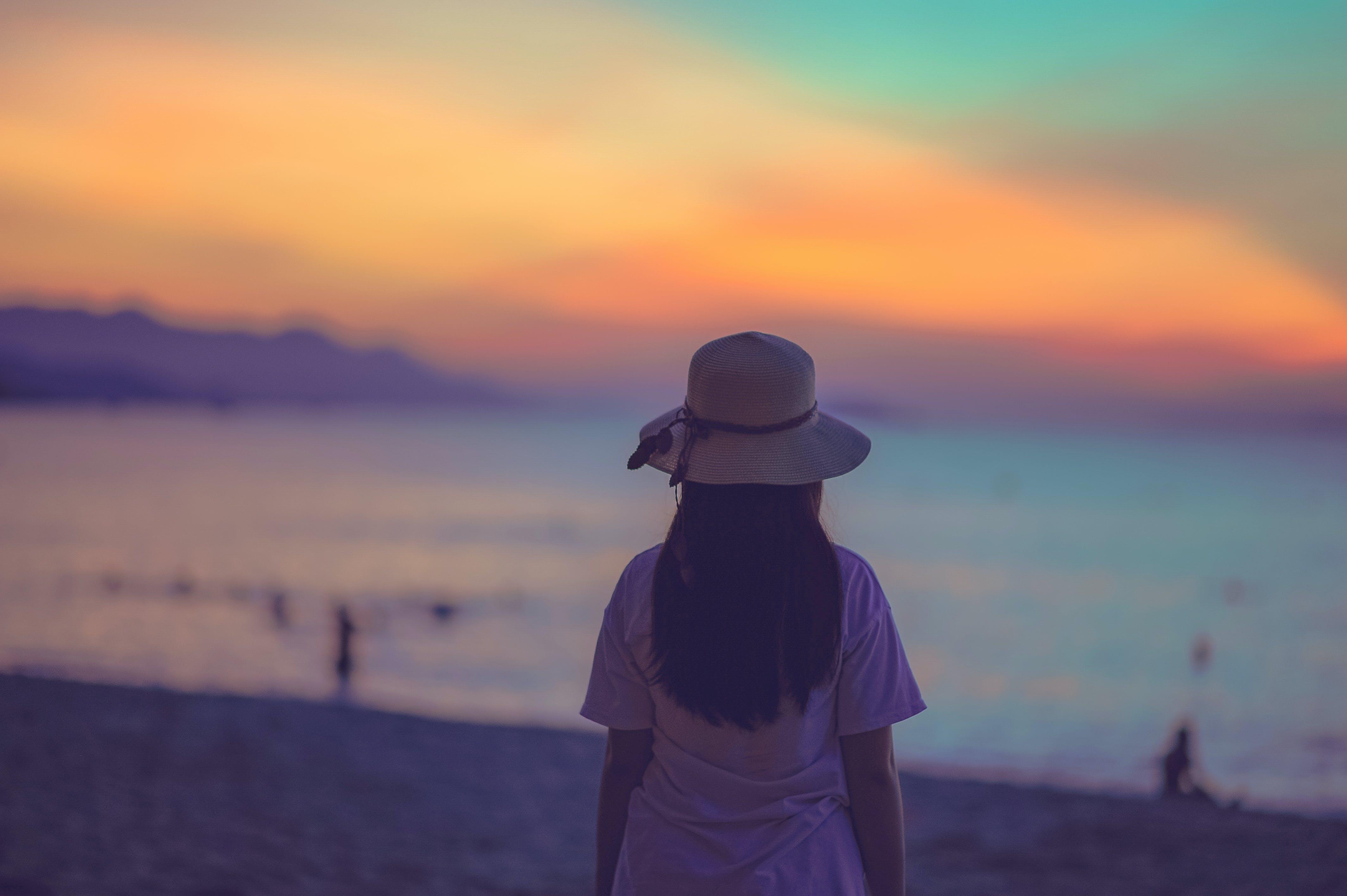 Foto d'estoc gratuïta de aigua, barret, capvespre, cel