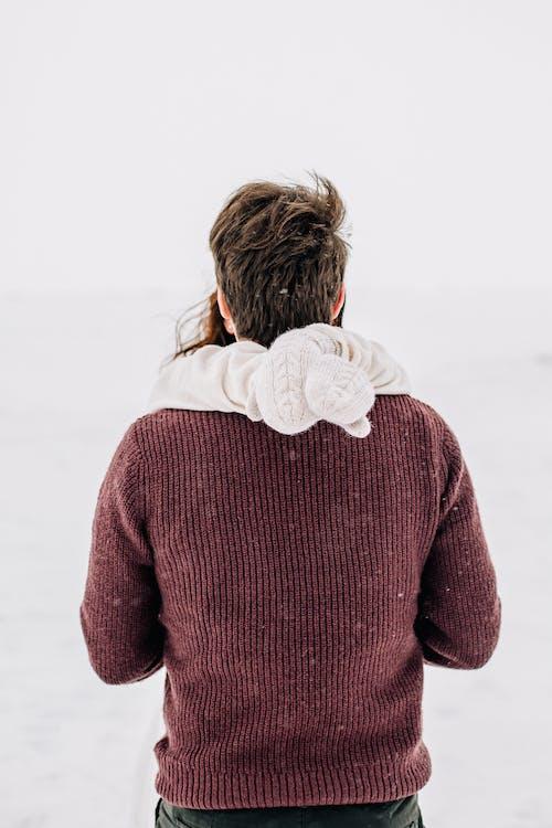 Foto d'estoc gratuïta de abraçada, adult, amor, constipat