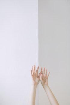 Kostenloses Stock Foto zu person, arm, hände, frau