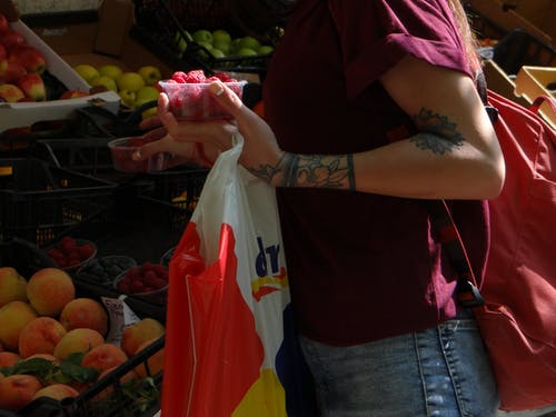 Fotos de stock gratuitas de frutas, mercado, niña