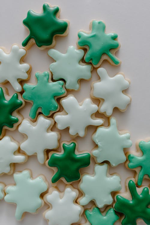White and Green Star Shaped Decors