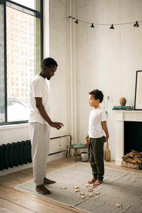 Ảnh lưu trữ miễn phí về căn hộ, cậu bé da đen, cậu bé người mỹ gốc phi