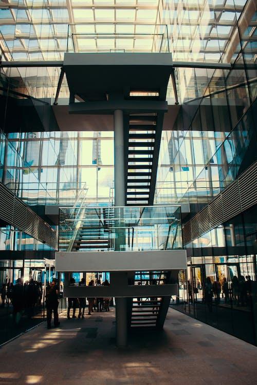 การก่อสร้าง, การสะท้อน, การออกแบบสถาปัตยกรรม