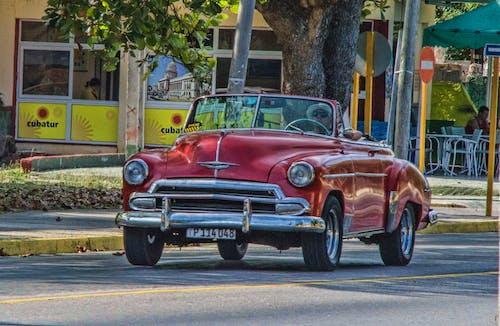 Gratis arkivbilde med bil, classiccar, hjul, klassisk