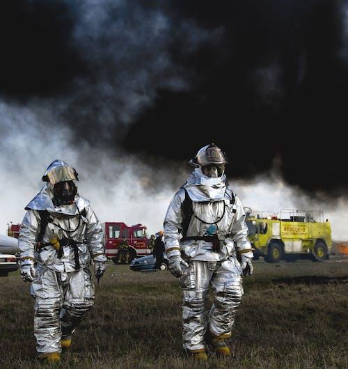 Fotos de stock gratuitas de ayuda, bomberos, gente, héroe