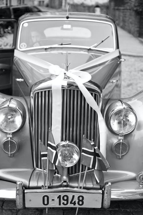 staroświecki samochód