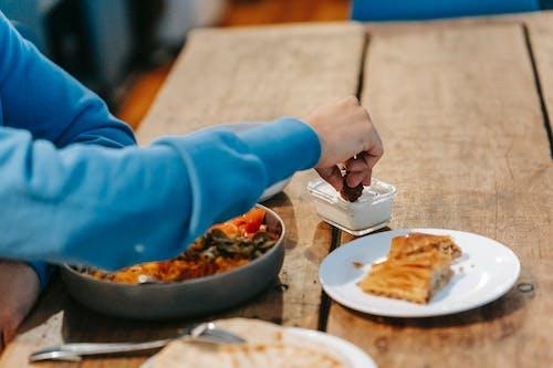 Fotos de stock gratuitas de adentro, almuerzo, anónimo