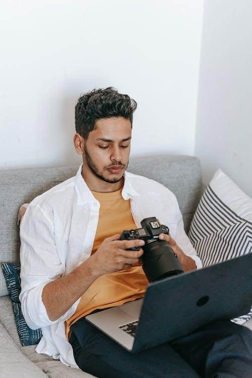 Fotobanka sbezplatnými fotkami na tému bloger, chlap, chlapec