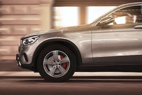 Immagine gratuita di asfalto, auto, auto di lusso