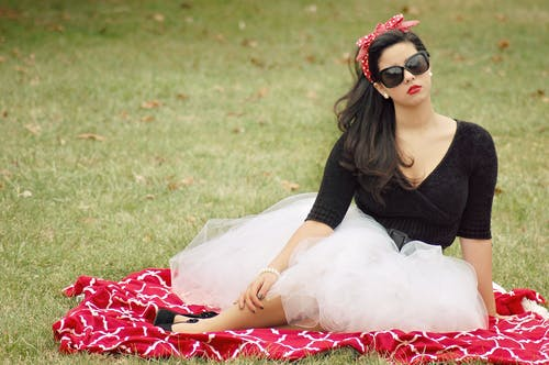Бесплатное стоковое фото с газон, женщина, красивый, красота