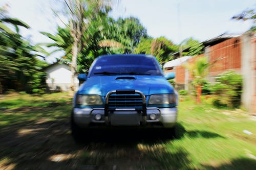 Ilmainen kuvapankkikuva tunnisteilla ajaa, ajoneuvo, asema, asfaltti