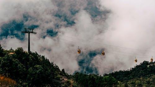 Gratis lagerfoto af bjerge, himmel, kabler, landskab