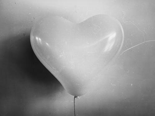 Imagine de stoc gratuită din alb-negru, balon, formă de inimă