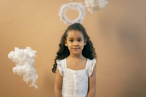 Kostenloses Stock Foto zu afroamerikanisches mädchen, aussehen, baumwolle