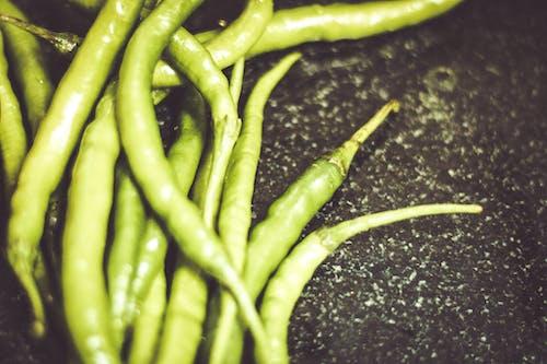 Základová fotografie zdarma na téma čerstvá zelenina, čerstvý, čili, čili papričky