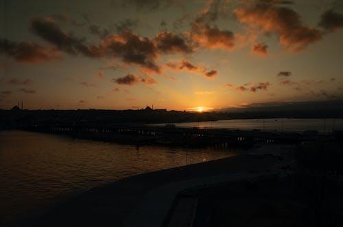 Photos gratuites de coucher de soleil sur la corne d'or