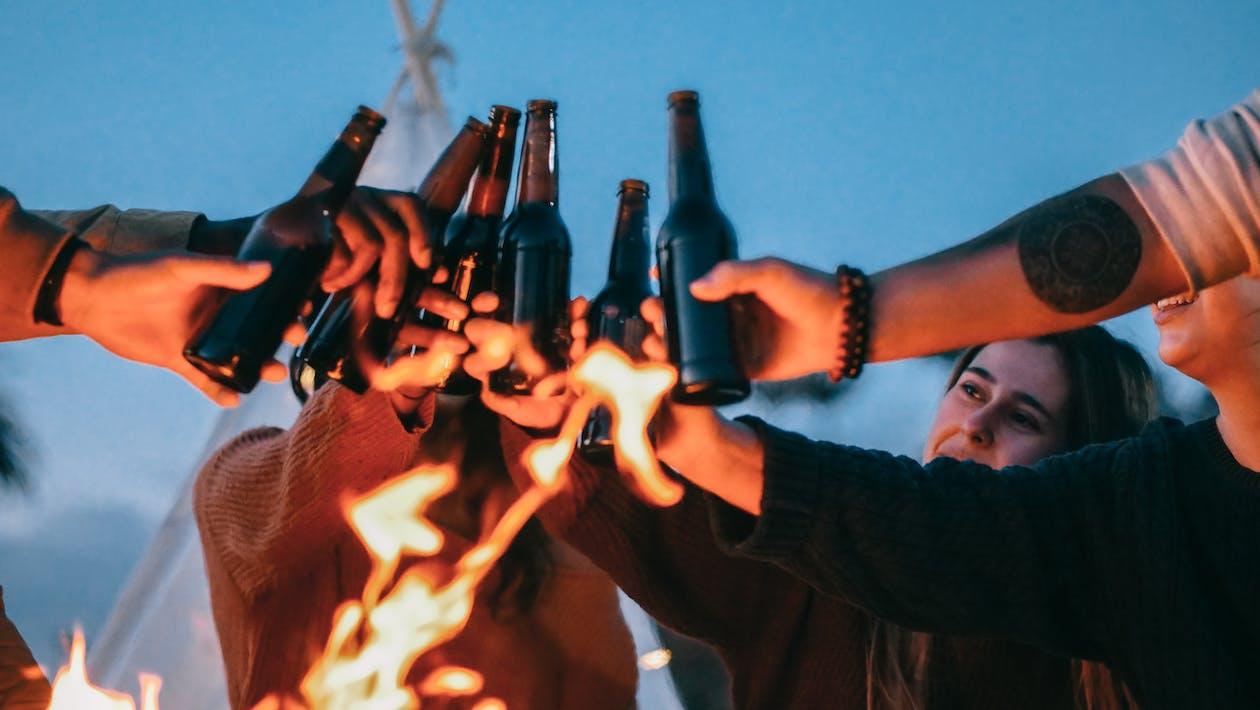 Immagine gratuita di alcol, amici, beach party