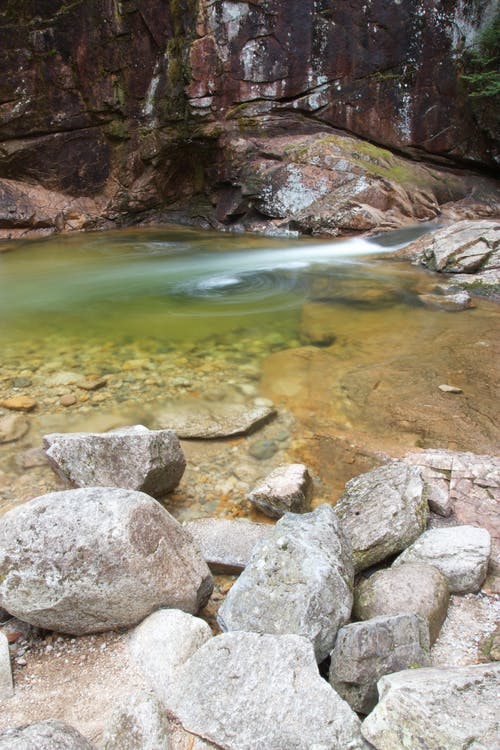 Foto d'estoc gratuïta de corrent, natura, naturalesa, pedres