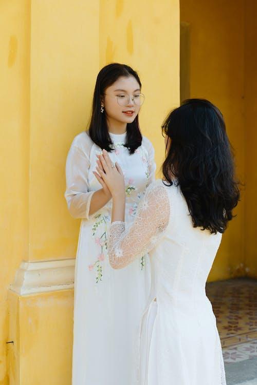 アジア人女性, うれしい, エスニックの無料の写真素材