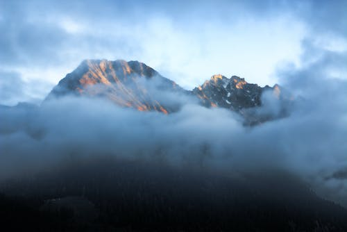 Foto profissional grátis de alto, cenário, cênico, céu