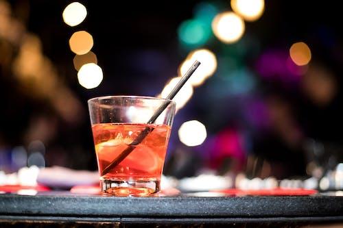 Imagine de stoc gratuită din alcool, apă, lumini de noapte, miezul nopții
