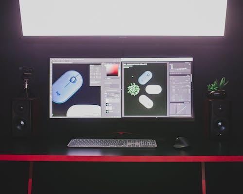 Gratis lagerfoto af bord, computer, computerskærm