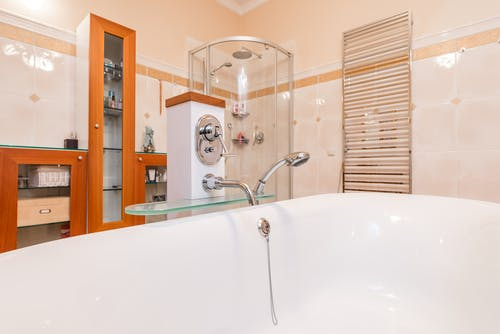 Immagine gratuita di armadietti, bagno, colpo del primo piano