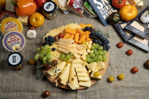 チーズ, チーズの盛り合わせ, フードの無料の写真素材
