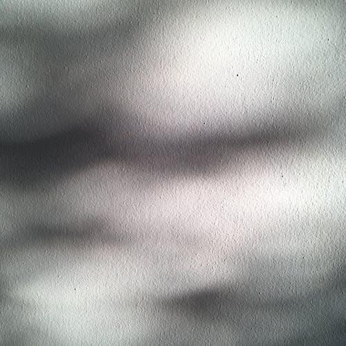 Immagine gratuita di ombre sul muro bianco
