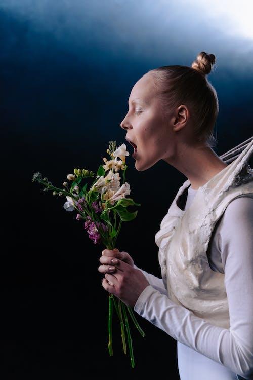 Free stock photo of alien, bouquet, bouquet of flowers