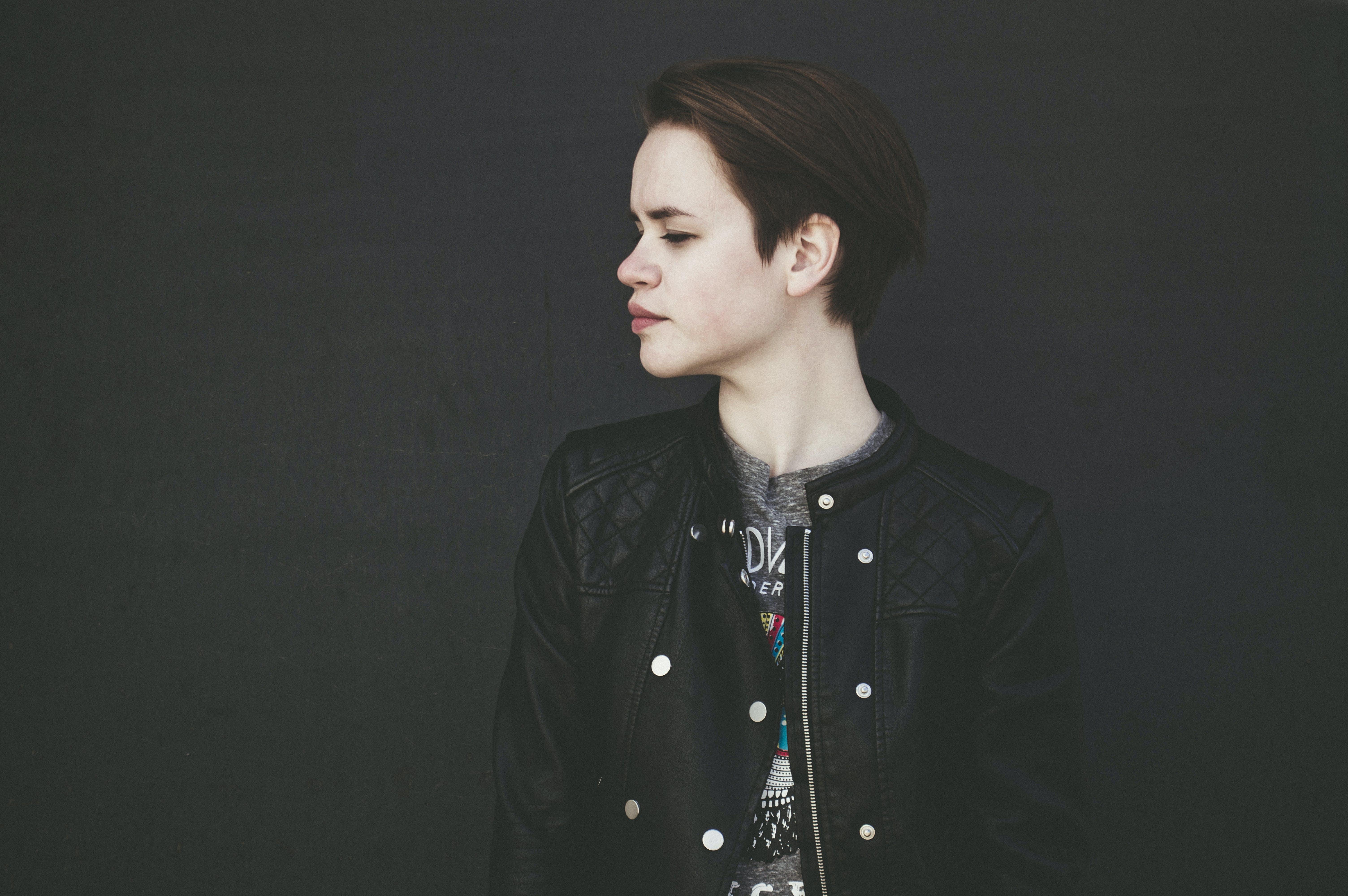 Kostenloses Stock Foto zu dunkel, erwachsener, fashion, fokus