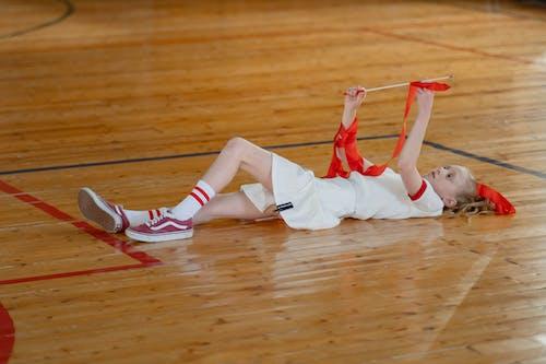 Безкоштовне стокове фото на тему «блондинка, відпочинок, гімнаст»