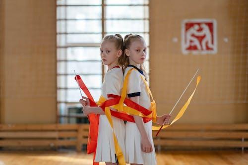 Immagine gratuita di bambini, educazione fisica, gemelli