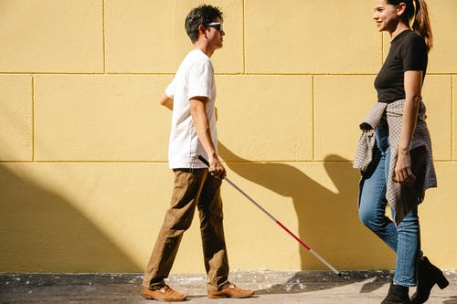 Immagine gratuita di adulti, bastone da passeggio, camminando