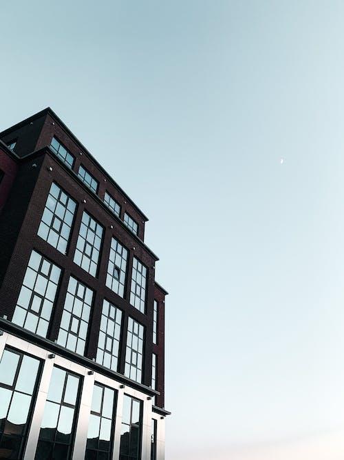 Gratis stockfoto met accommodatie, architectuur, blauwe lucht