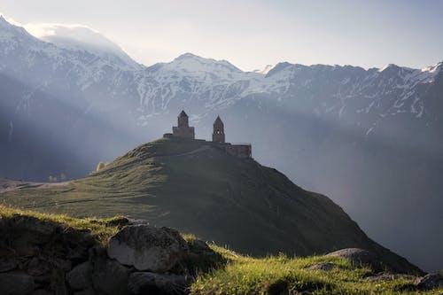 Photos gratuites de aube, brouillard, caillou
