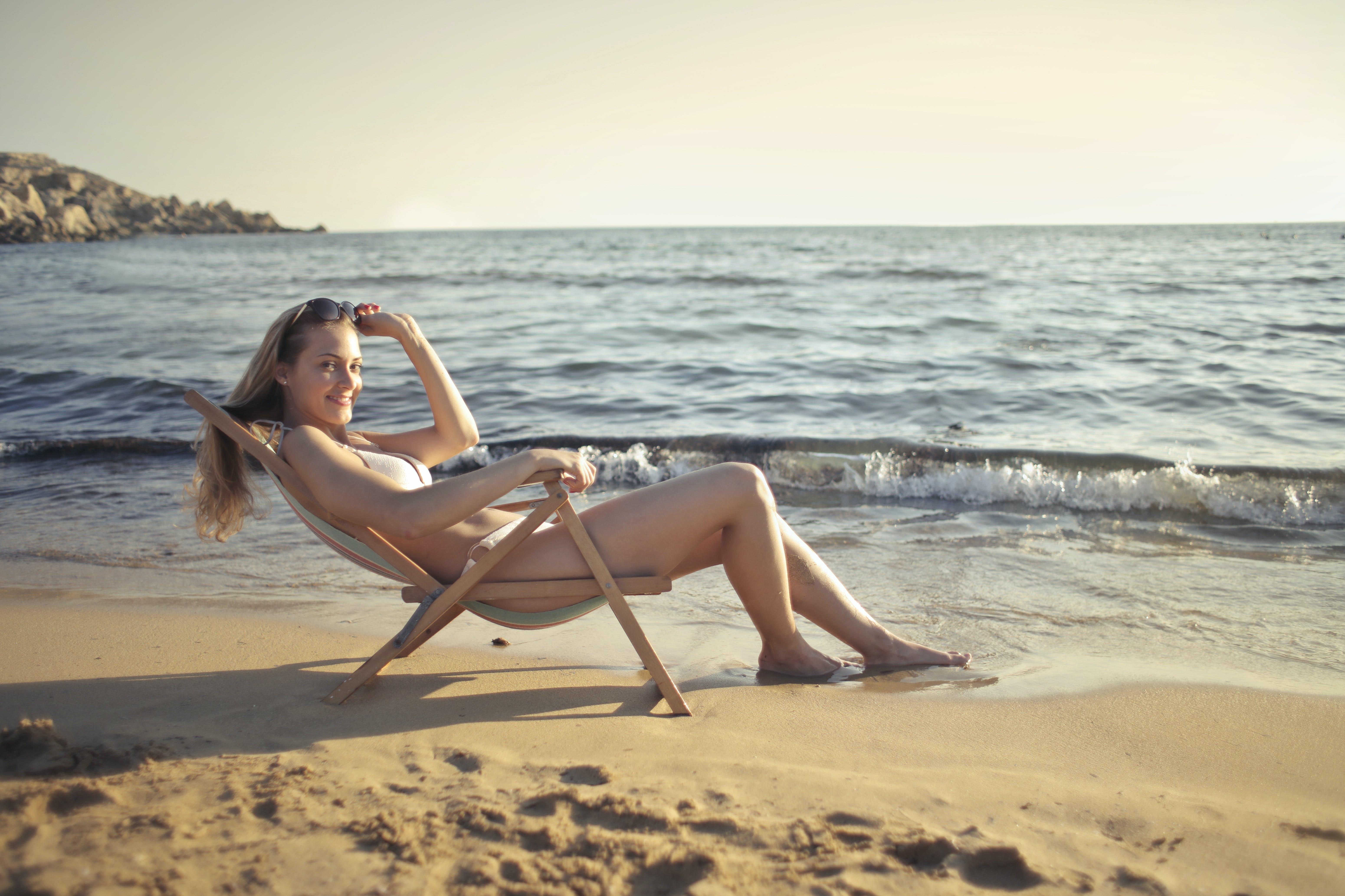 zu bikini, entspannung, frau, hübsch