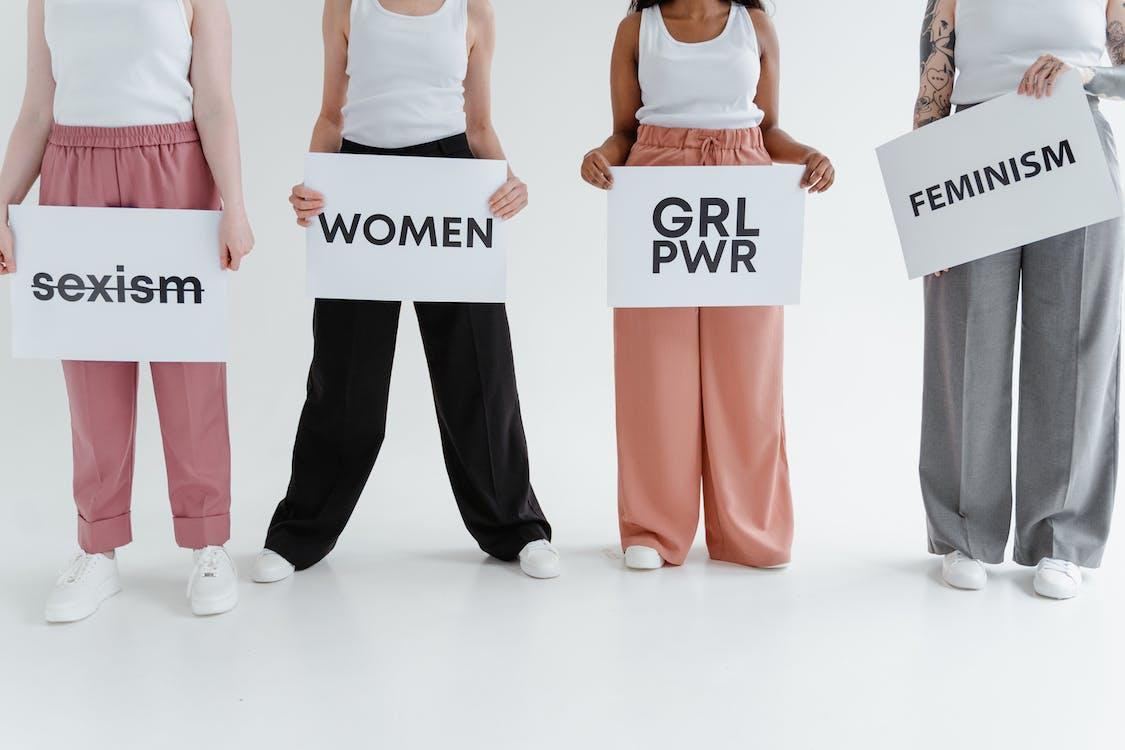 Kostenloses Stock Foto zu drinnen, einheit, feminismus