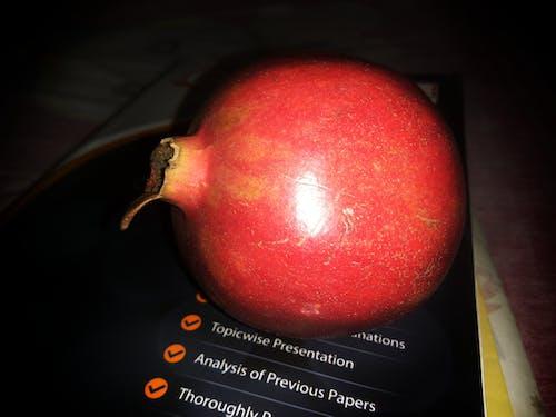 Gratis lagerfoto af frisk frugt, frugt, granatæble, HD-baggrund