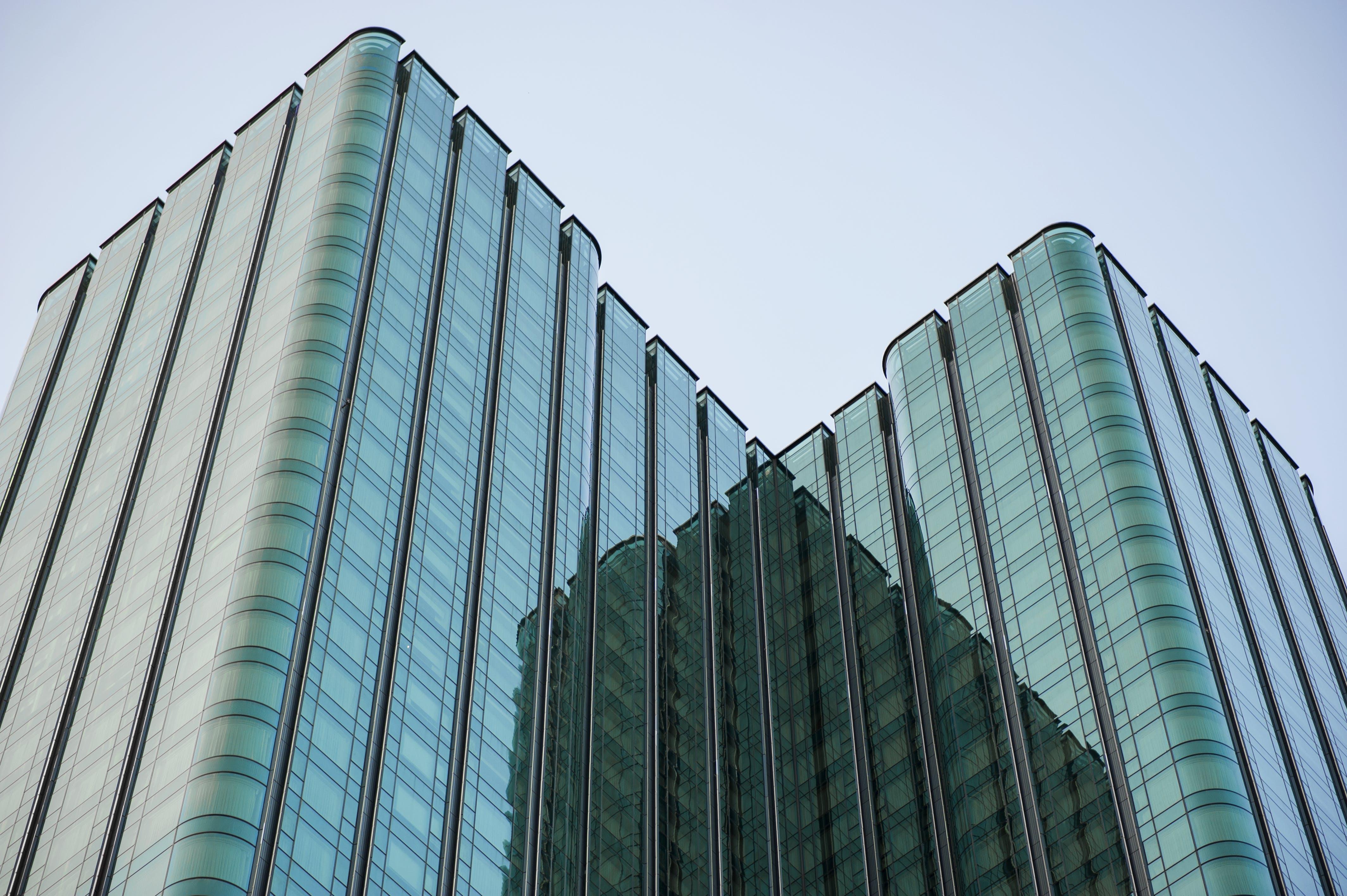 Gratis stockfoto met architectuur, binnenstad, bouw, buitenkant