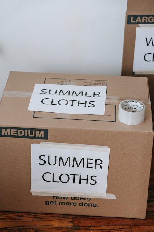 Foto stok gratis baju musim panas, banyak orang, isyarat