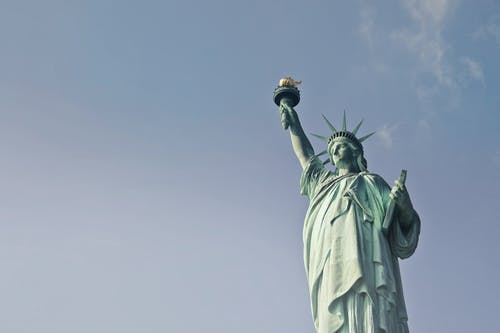 Ảnh lưu trữ miễn phí về ánh sáng ban ngày, bức tượng, du lịch, góc chụp thấp