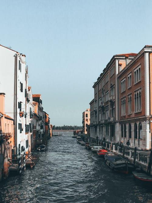 Gratis lagerfoto af ældet, arkitektur, båd