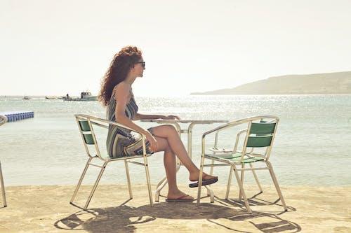 Ingyenes stockfotó asztal, fiatal, halászhajó, hegy témában