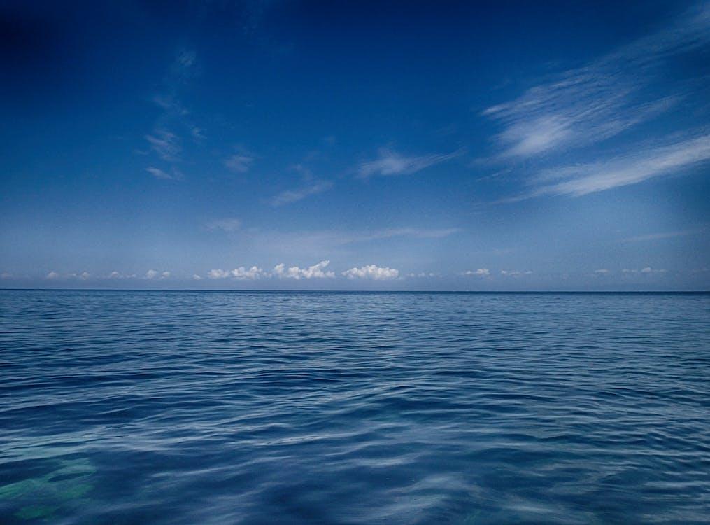 Foto stok gratis air, awan, cahaya