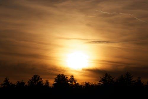 Ilmainen kuvapankkikuva tunnisteilla auringonlasku, aurinko, iltahämärä, pilvet