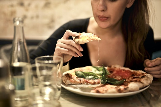 Kostenloses Stock Foto zu essen, teller, italienisch, pizza