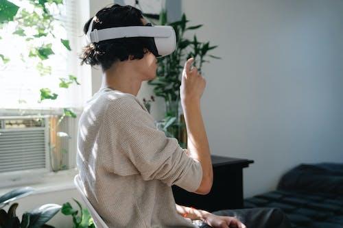 Бесплатное стоковое фото с виртуальный, гаджет, гарнитура виртуальной реальности