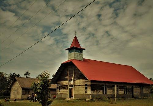Gratis lagerfoto af arkitektonisk, kirke, træhegn