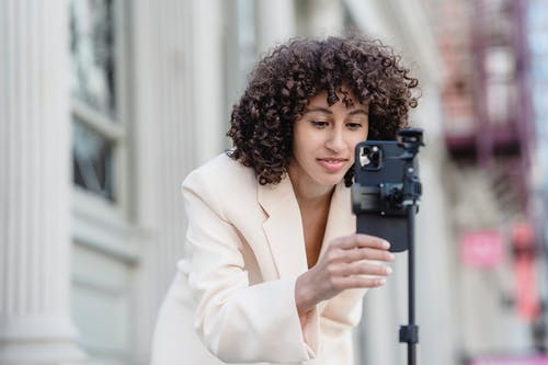 Δωρεάν στοκ φωτογραφιών με Άνθρωποι, βλέπω, γυναίκα